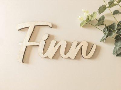 Houten naam 'Finn'
