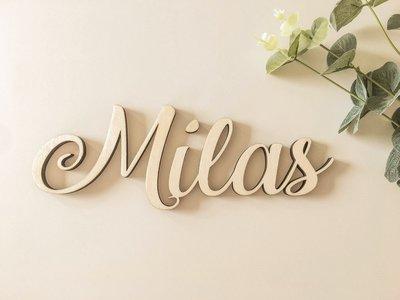 Houten naam 'Milas'