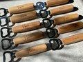 Houten flesopener gegraveerd (vanaf 10 stuks)